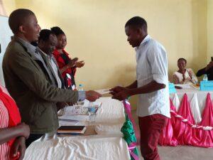 17 DMO presenting certificates